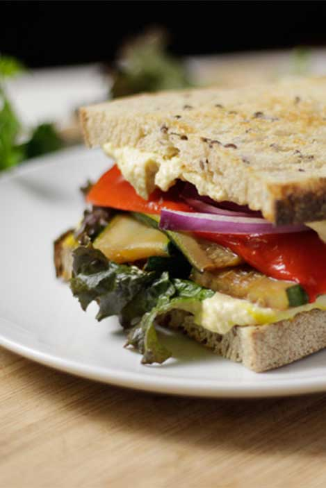 Veggie Sandwich with Hummus