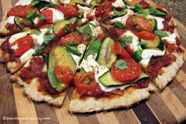 Zucchini-Crust Vegetarian Pizza Margherita (on The Grill ...
