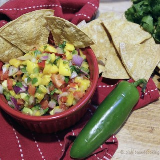 No-Oil Chips & Mango Salsa