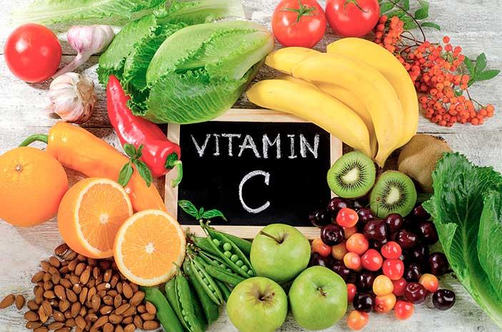 Vitamin-C-with-Fruit