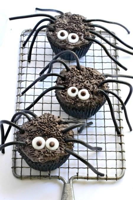 vegan halloween black widow spider cupcakes