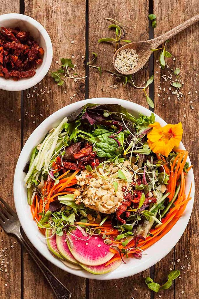 High-Protein-Fresh-Vegan-Salad-with-Hummus-The-Live-In-Kitchen